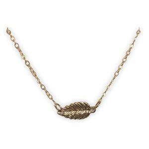 3/$23 sale! Golden Leaf Choker Necklace